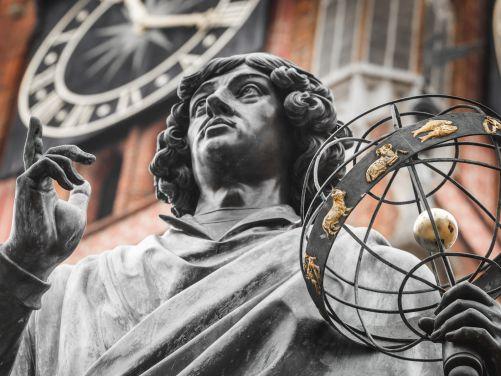 Koperníkův pomník v Toruni, Polsko (Zdroj: Shutterstock)