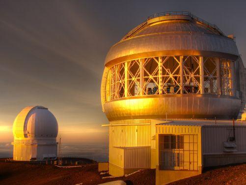 Obří dalekohledy na Mauna Kea (Zdroj Shutterstock)