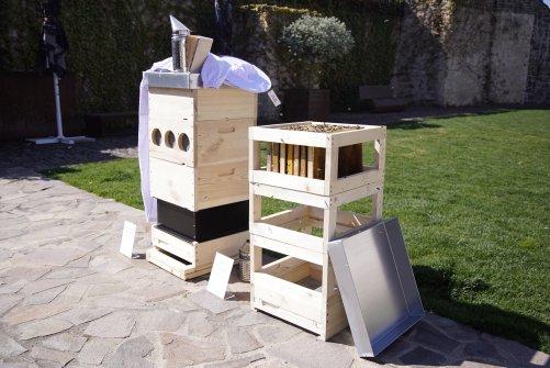 Ukázka moderního úlu s vybavením (zdroj: T-Mobile)