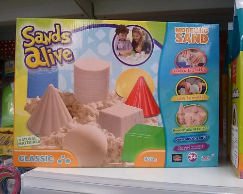 Kinetický písek je skvělá hračka pro děti i dospělé (foto MD)