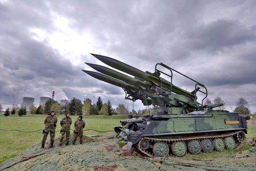 Podle tří raket se strakonickému protiletadlovému pluku přezdívá