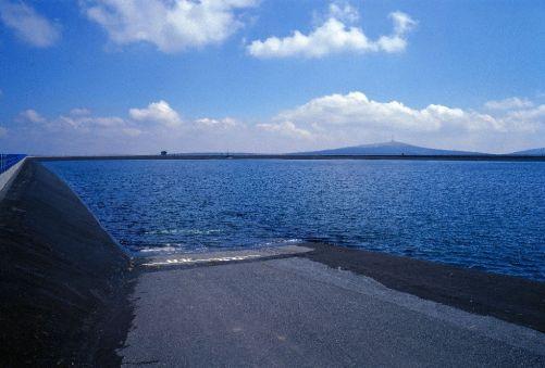 Horní nádrž přečerpávací elektrárny Dlouhé stráně má objem objem 2,72 miliónů krychlových metrů vody. (Zdroj: ČEZ)