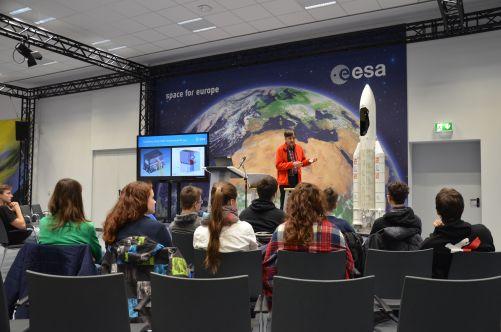 Studenti v ESA - Evropské vesmírné agentuře (zdroj Expedice Mars)