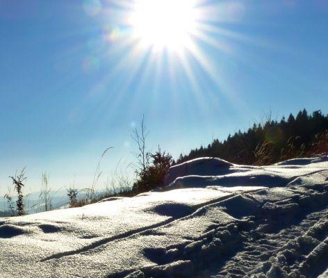 Slunce nad zimním Vsetínskem (foto autor)