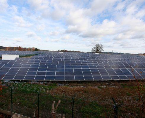 Fotovoltaická elektrárna Bežerovice (foto vzdělávací program ČEZ Svět energie)