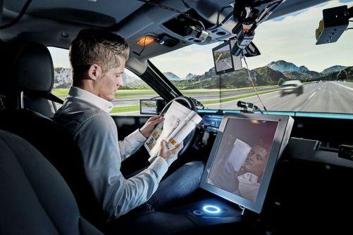 AI se používá v autonomních automobilech, v reproduktorech, při hrají her, atd. (zdroj: Continental)