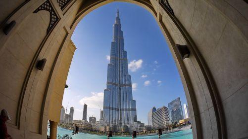 Nejvyšší budova světa Burj Chalífa v Dubaji, postavená v letech 2004-2010, má 826 m (zdroj Pixabay)