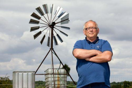 Pavel Floriš se svým vítězným vynálezem (zdroj: archiv Energy Globe)