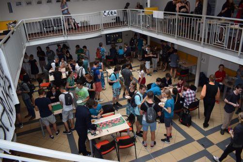 Součástí Týdne vědy na FJFI je i koncert nebo společenský večer s kasinem, občerstvením a dražbou (foto FJFI)