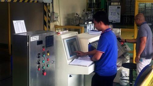 Velín ozařovače. Filipíny mají jediný gama ozařovač v jaderném výzkumném ústavu v Quezon City. Užívá se většinou pro dekontaminaci a sterilizaci potravinářského, lékařského a obalového materiálu. (Foto: M. Gaspar/IAEA, www.iaea.org)
