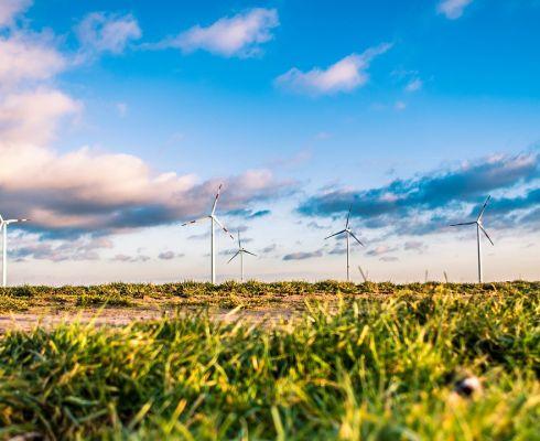 Obnovitelné zdroje vypadají idylicky. Ve chvílích, kdy fungují. (Zdroj Pixabay)