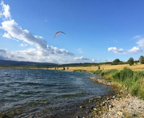 Severočeské jezero Milada na místě zatopeného dolu možná bude hostit plovoucí FV elektrárnu (foto Soňa Holingerová Hendrychová)