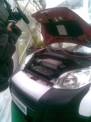 Li Ion baterie v otevřeném elektromobilu (foto ČEZ)