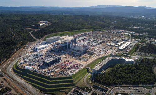 Staveniště tokamaku ITER v říjnu 2019 (Credit © ITER Organization, http://www.iter.org/)