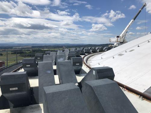 Předpjatá lana drží v betonovém kontejnmentu celkem 272 kotev (foto ČEZ)