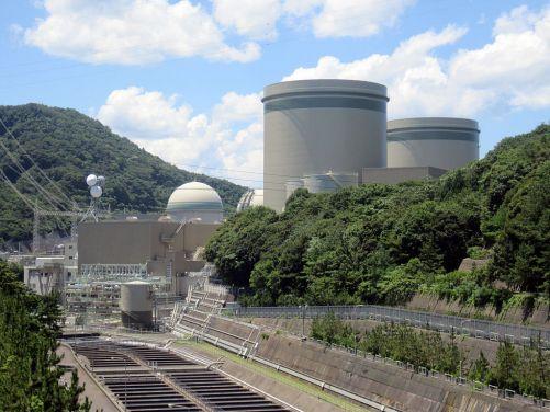 Jaderná elektrárna Takahama 3 - 4 používá palivo MOX od svého restartu (zdroj Wikimedia Commons CC BY-SA 3.0, autor Hirorinmasa)