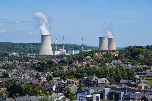 Jaderná elektrárna Tihange, Belgie (foto Akela999, Pixabay)