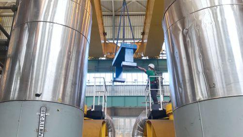Od dvoutunového hltiče si elektrárna slibuje snížení chvění turbíny (zdroj ČEZ)