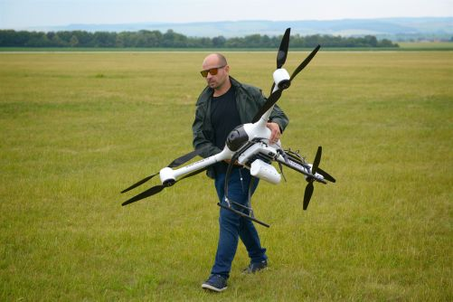 Dron se systémem radiačního monitorování DRONES-G (foto NUVIA)