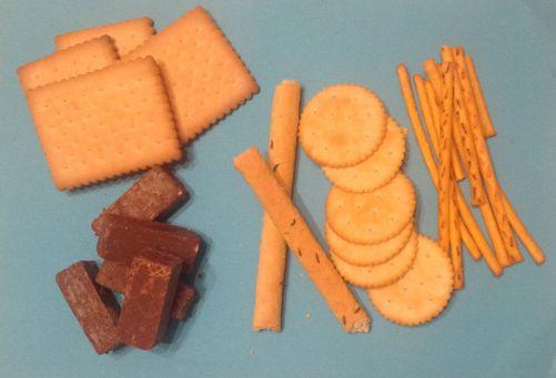Trans tuky obsahují například: sladké i slané pečivo, polevy, krémy, zmrzliny a nanuky, sušenky, perníky, oplatky, zákusky, chipsy a smažené výrobky, polotovary, jídla z fast-foodu atd. (foto MD)
